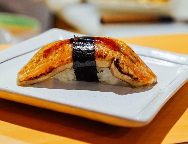 wa-i-sushi-omakase-foie-gras-nigiri