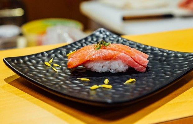 wa-i-sushi-omakase-otoro-nigiri