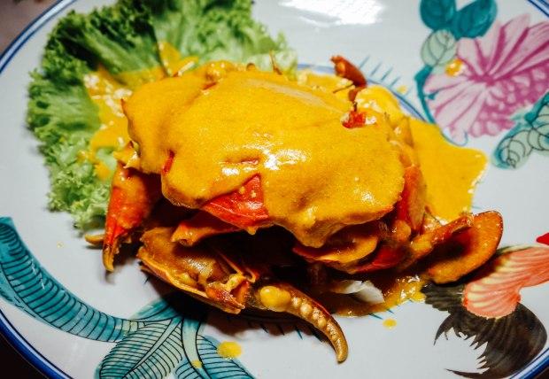 george town tze char salted egg yolk crab
