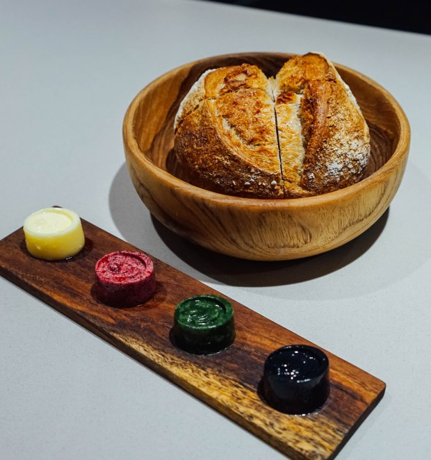 lerouy-Sour Dough Bread : Salted - Charcoal - Spinach - Beetroot Butter