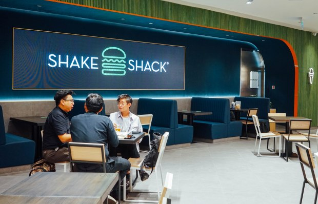 shake-shack-great-world-city-2