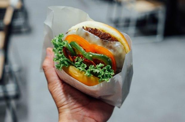 shake-shack-jalapeno-ranch-shackburger