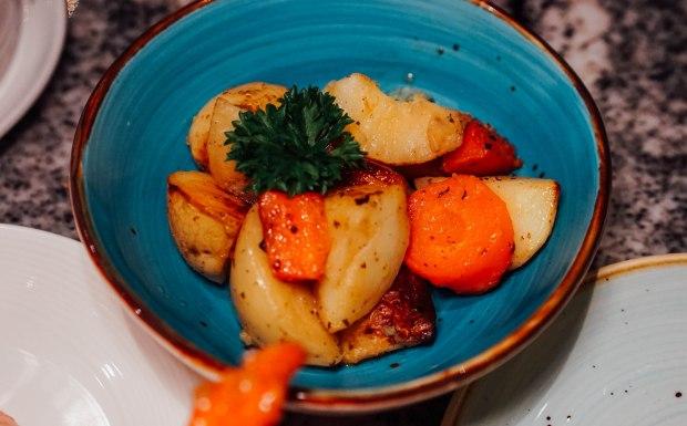 ellenborough-market-cafe-roasted-potatoes-with-rosemary