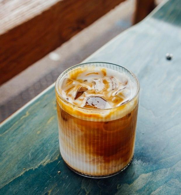 hello-arigato-white-coffee