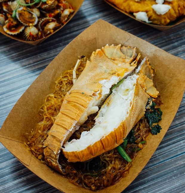 kin-hoi-holland-close-house-special-vermicelli-claypot-with-crayfish
