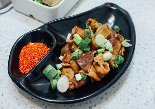 li-ji-chuan-chuan-xiang-braised-intestines-platter
